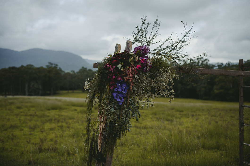 AMAZING KANGAROO VALLEY WEDDING JOHANNA JOHNSON GOWN-10073