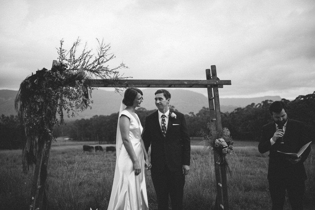 AMAZING KANGAROO VALLEY WEDDING JOHANNA JOHNSON GOWN-10104