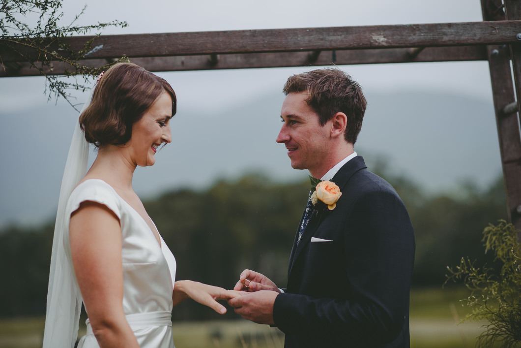 AMAZING KANGAROO VALLEY WEDDING JOHANNA JOHNSON GOWN-10108