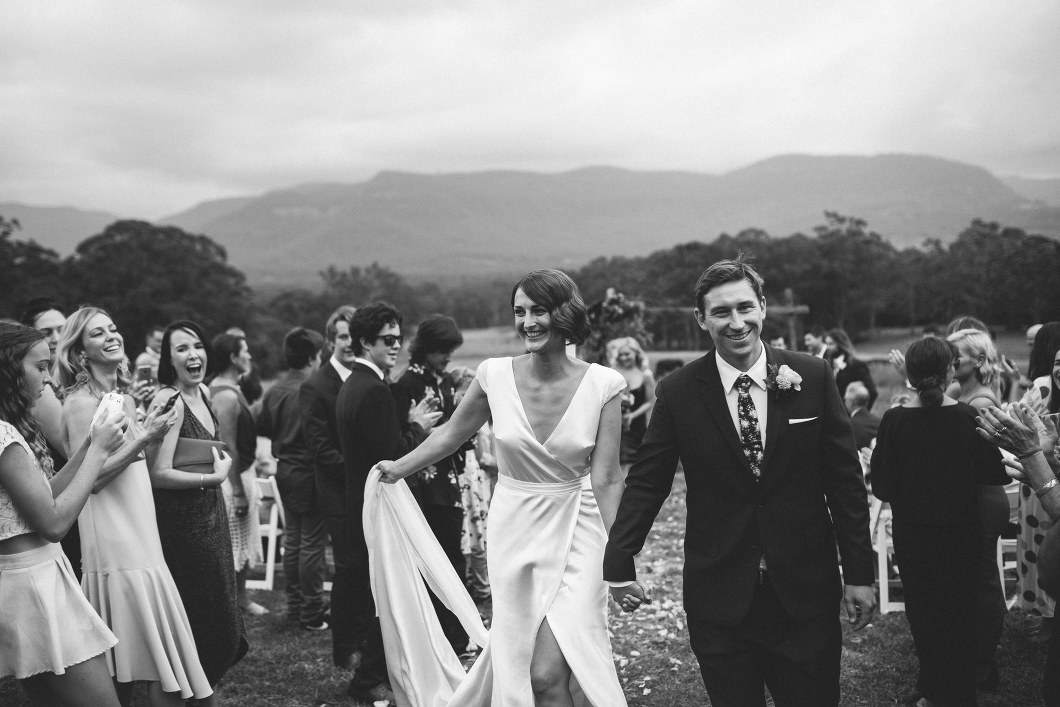 AMAZING KANGAROO VALLEY WEDDING JOHANNA JOHNSON GOWN-10119