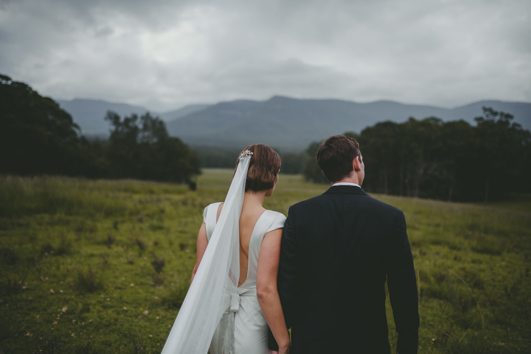 AMAZING KANGAROO VALLEY WEDDING JOHANNA JOHNSON GOWN-10178