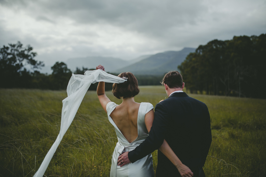 AMAZING KANGAROO VALLEY WEDDING JOHANNA JOHNSON GOWN-10200