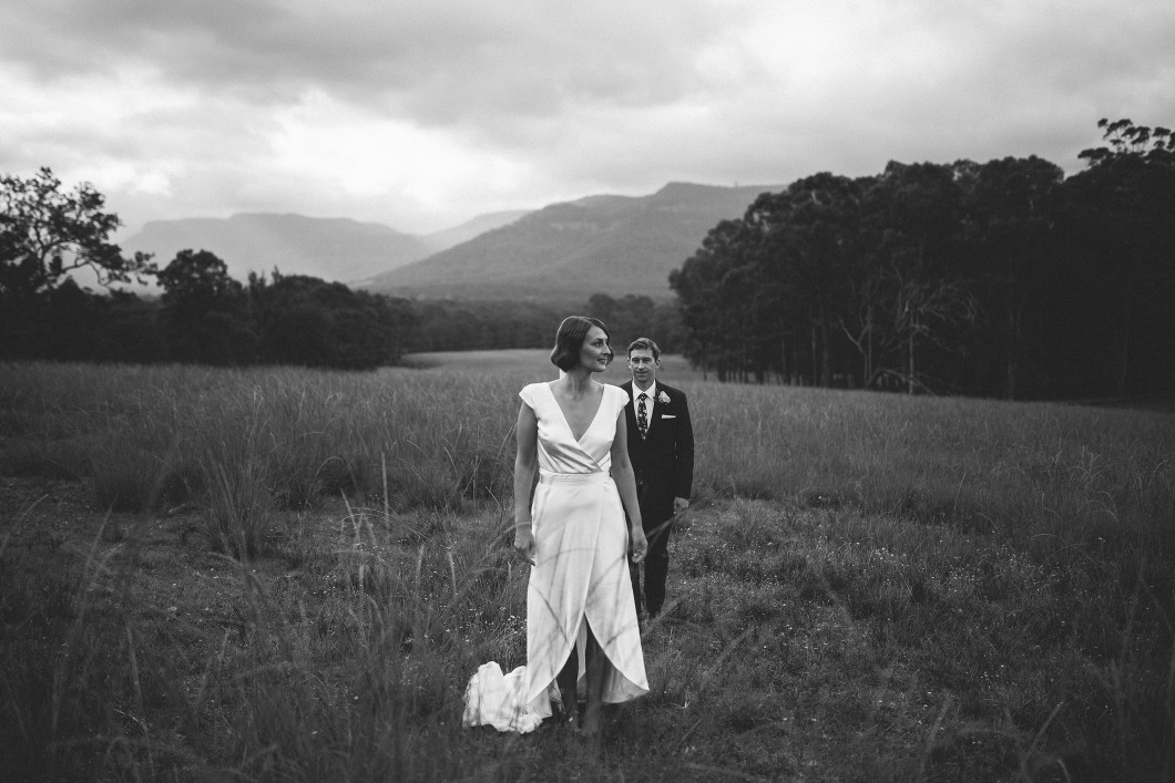AMAZING KANGAROO VALLEY WEDDING JOHANNA JOHNSON GOWN-10204